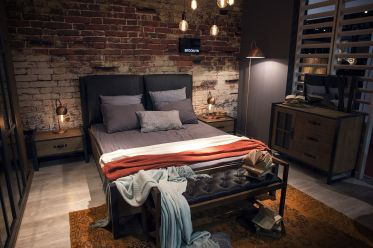 Metallic-floor-and-table-lamps-are-perfect-for-the-industrial-bedroom