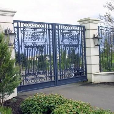 Detailed-iron-driveway-gate-ideas