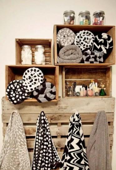 Come-incorporare-casse-di-legno-in-idee-decorazioni-11-554x812-1
