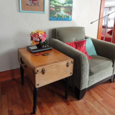 Recycled-suitcase-ideas-tables9