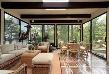 Sun-room-con-vista-foresta