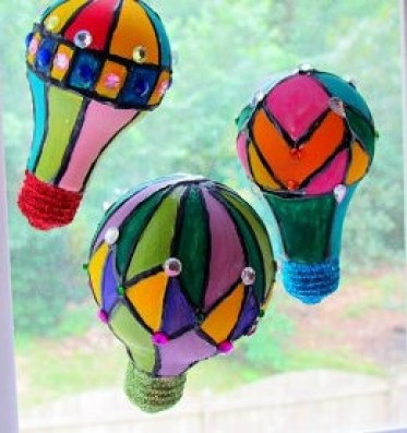 Sunny-day-hot-air-balloons_medium_id-679727-1