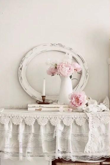 Vintage-romance-lace-home-decor-ideas-22