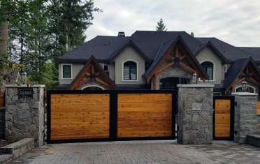 Wood-and-metal-driveway-gate-ideas