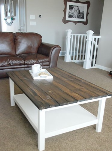 1-018b-rustic-diy-farmhouse-table-ideas-homebnc