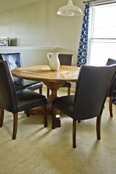 1-03b-rustic-diy-farmhouse-table-ideas-homebnc