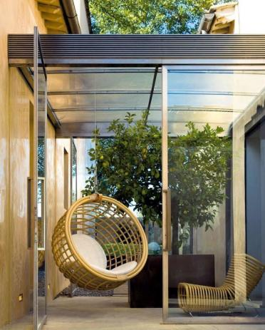 1-rattan-hanging-chair-for-more-comfort-and-relaxation-in-the-garden-4-1515461730