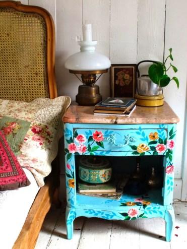 10-nightstand-ideas-homebnc