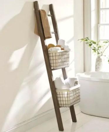 15-simple-yet-effective-diy-bathroom-storage-and-organization-ideas-8