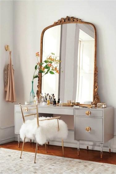 Big-mirror-in-a-metallic-frame-900x1350-1