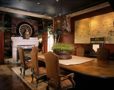 Fabulous-asian-style-dining-room-delves-into-the-extravagant