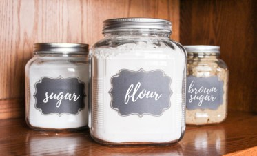 Flour-and-sugar-canisters-2