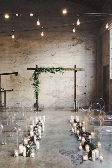 Industrial-wedding-ceremony-decoration-ideas-with-candles
