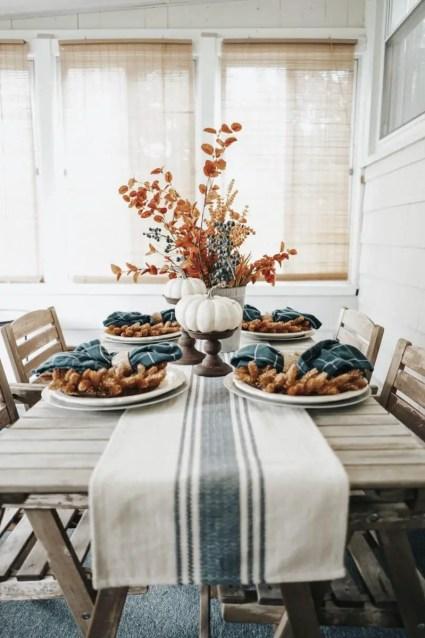 07d-farmhouse-fall-decorating-ideas-homebnc-v3