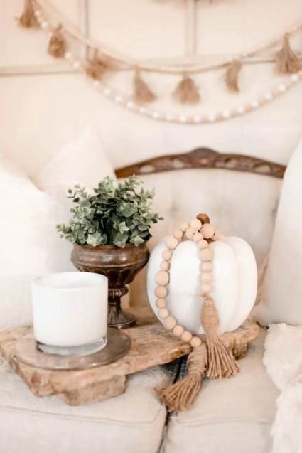09d-farmhouse-fall-decorating-ideas-homebnc-v3