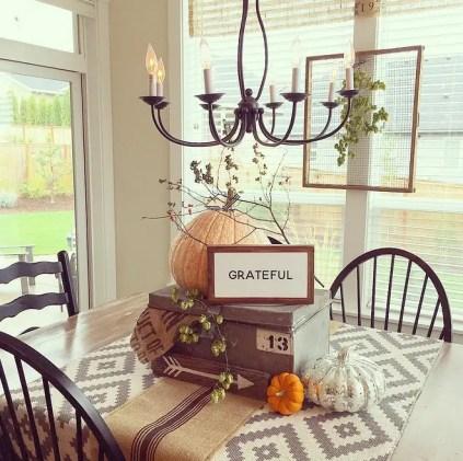 1-breakfast-room-fall-table-decor.-yellowprairieinteriors-via-instagram.