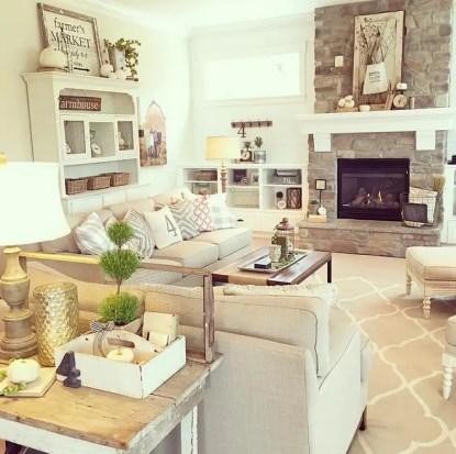 1-farmhouse-living-room-with-neutral-fall-decor.-yellowprairieinteriors-via-instagram.