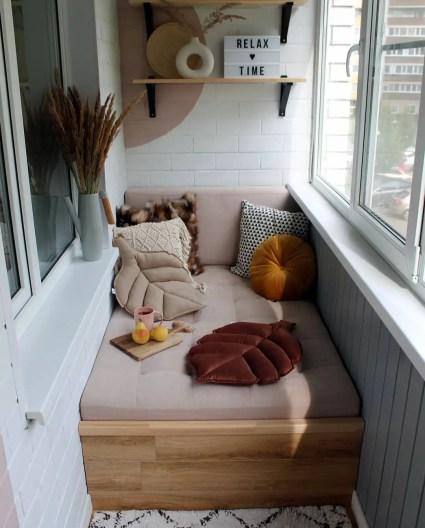 1-low-cost-small-balcony-ideas-xoxodeco