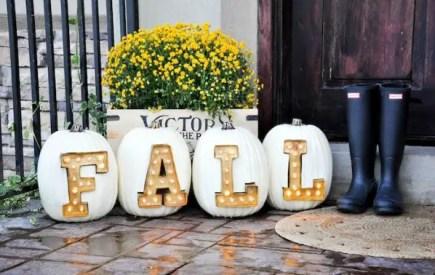 1-marquee-light-letter-pumpkins-30-pumpkin-decorating-ideas-via-fox-hollow-cottage-1