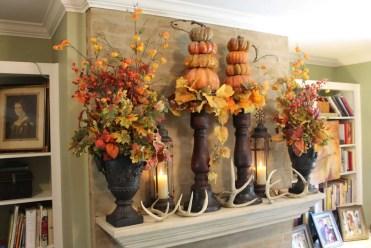 10-fall-mantel-decorating-ideas-homebnc-768x512@2x