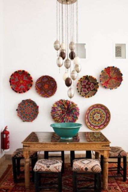 13-an-african-inspired-dining-space-with-bold-wall-baskets-and-matching-upholstery