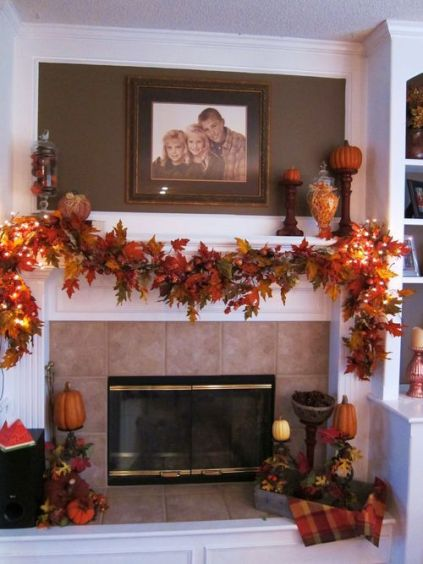 13-spruce-up-your-silk-leaf-garland-with-lights-on-the-sides-1