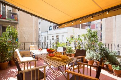 16-spectacular-eclectic-balcony-designs-youll-instantly-fall-in-love-with-4-768x512-1