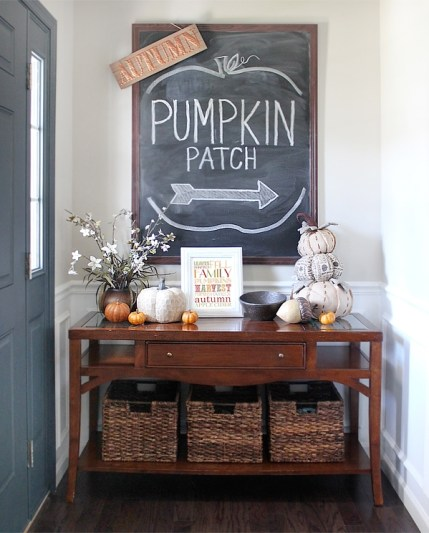 2-fall-house-tour-foyer-entry