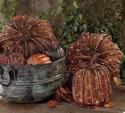 Cute-and-cozy-rustic-fall-and-halloween-décor-ideas-51