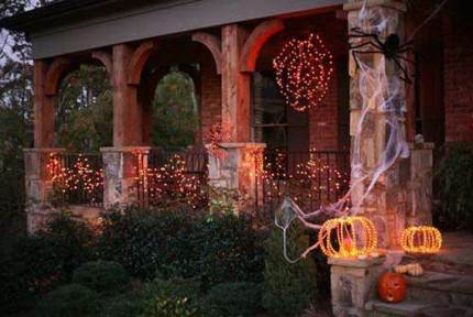 Cute-and-cozy-rustic-fall-and-halloween-décor-ideas-56