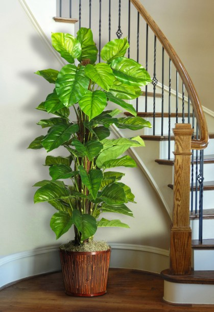 Decorating-with-artificial-plants-1