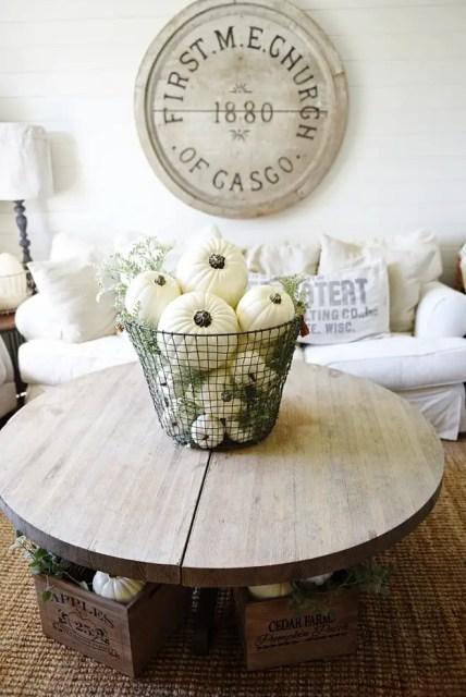 Farmhouse-fall-decor-ideas.-liz-marie-blog