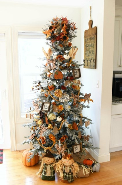 Harvest-christmas-tree-decor