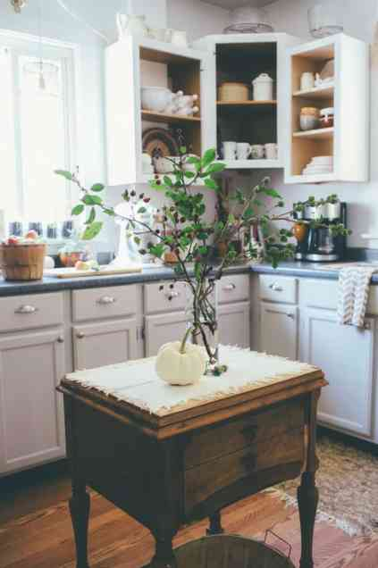 Kitchen-island-fall-decor