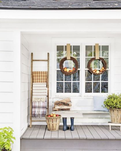 Apple-wreaths-and-ladder-front-door-and-porch-fall-decor-ideas