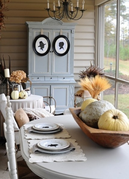 Beautiful-and-cozy-fall-dining-room-decor-ideas-15-554x771-2