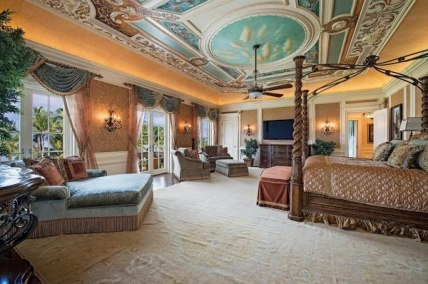 Bedroom-ceiling-design-ideas-exclusive-master-bedroom-hand-painted-ceiling