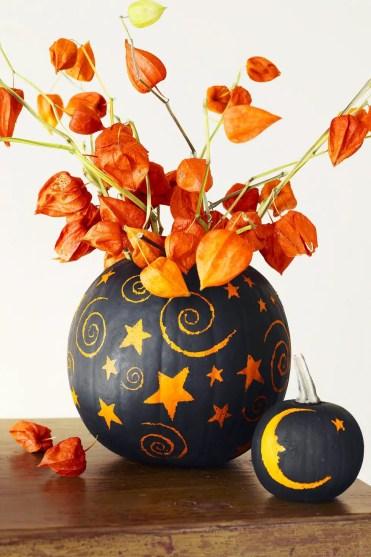 Fall-decorations-painted-pumpkin-centerpiece-1625861631
