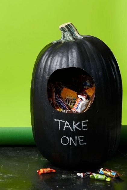 Ghk-1019-pumpkins-candyholder-238-preview-ppi-150-embedmetadata-true-1564171806