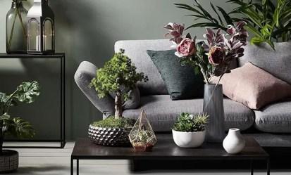Mix-artificial-plants-with-live-plants