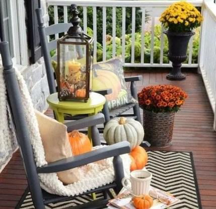 Most-beautiful-halloween-decor-for-apartment-balcony