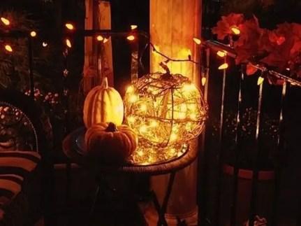 Thanksgiving-balcony-lighting-ideas