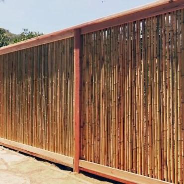 Vertical-backyard-ideas-bamboo-fence