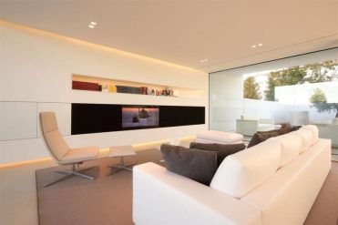 1-living-room-shelving-jesolo-living-room-870x580-1