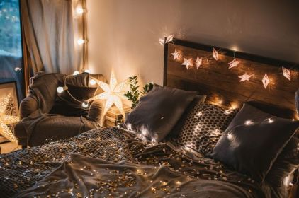 1-bedroom-fairy-lights-romantic-atmosphere-ideas