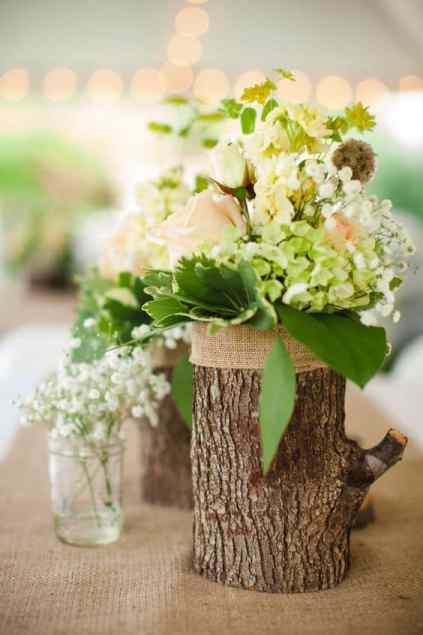 Add-glamour-and-rustic-vibe-with-tree-stump-vases-homesthetics-15