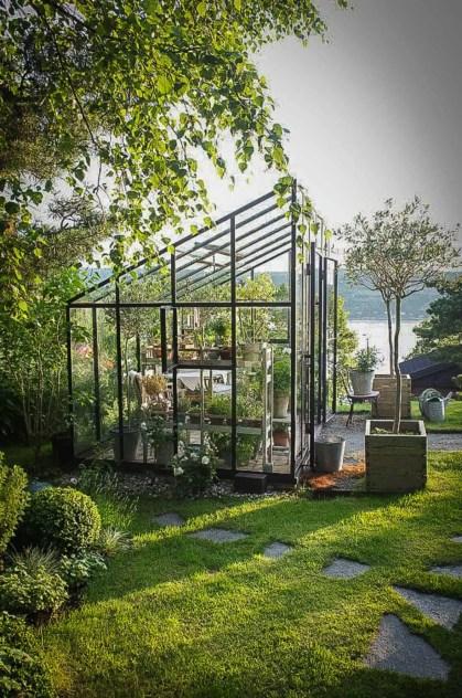 Awesome-backyard-greenhouse-design-ideas-10-1-kindesign