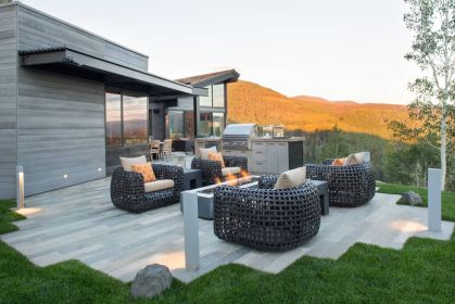 Mountain-star-patio-design-with-bbq-grill-and-large-seats
