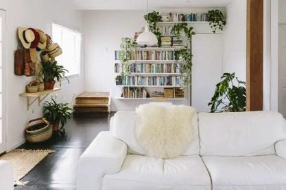 Rustic-bohemian-family-home-living-room-books
