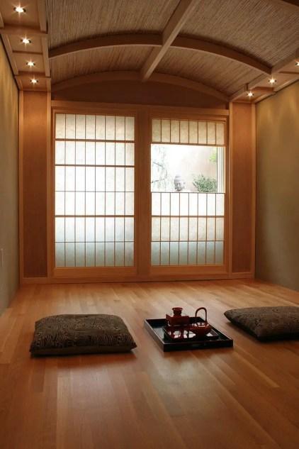 Traditionelle-japanische-Teestube-dient auch-als-ruhiger-Meditationsraum